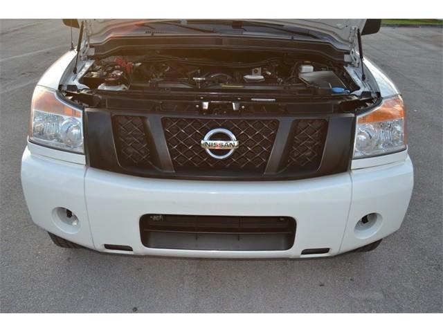 2014 Nissan Titan  4D Crew Cab  - 503420 - Image 18