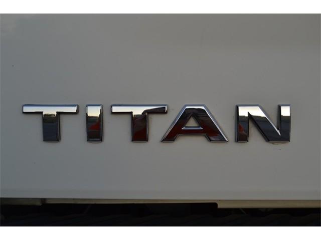 2014 Nissan Titan  4D Crew Cab  - 503420 - Image 24