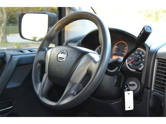 2014 Nissan Titan  4D Crew Cab  - 503420 - Image 26