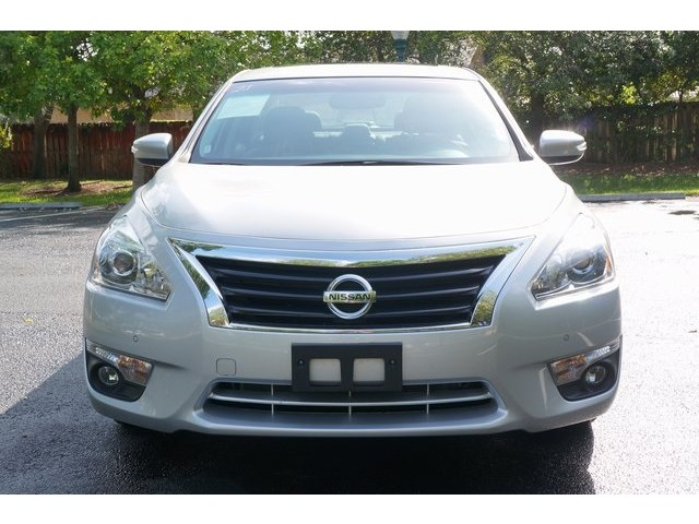 2015 Nissan Altima  4D Sedan  - 503573 - Image 2