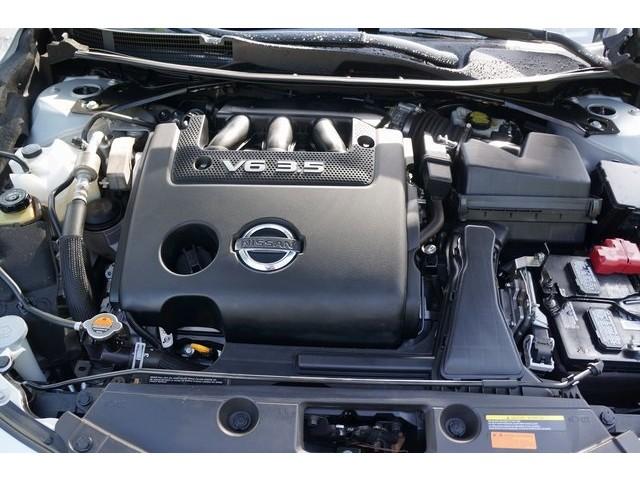 2015 Nissan Altima  4D Sedan  - 503573 - Image 13
