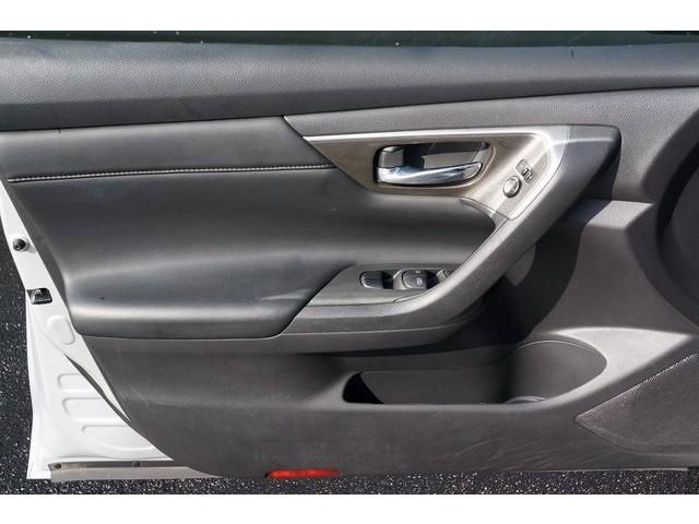 2015 Nissan Altima  4D Sedan  - 503573 - Image 15