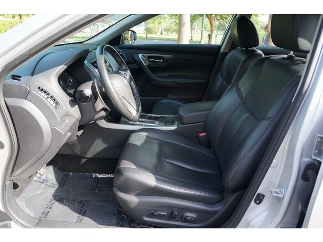 2015 Nissan Altima  4D Sedan  - 503573 - Image 18