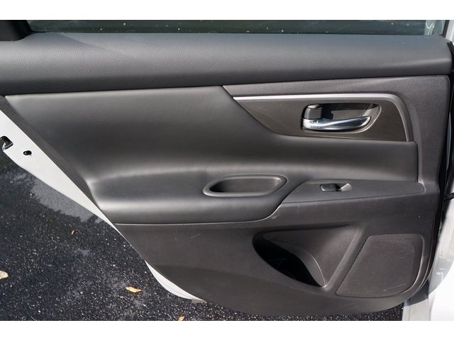 2015 Nissan Altima  4D Sedan  - 503573 - Image 22