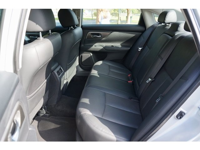 2015 Nissan Altima  4D Sedan  - 503573 - Image 24