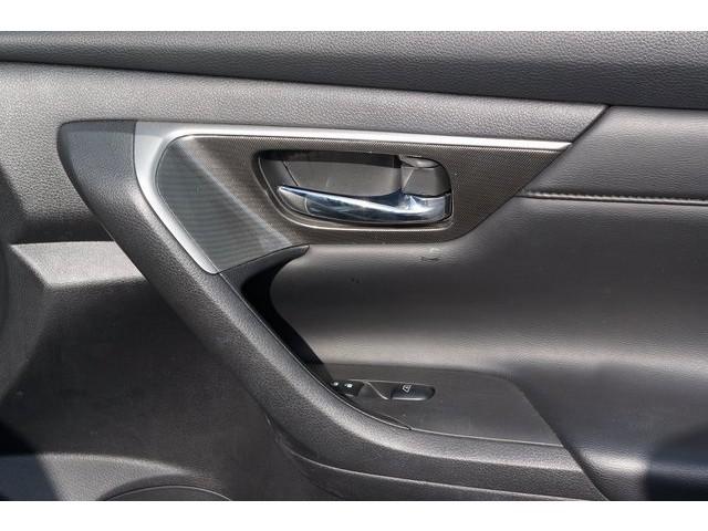 2015 Nissan Altima  4D Sedan  - 503573 - Image 28