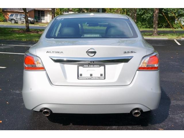2015 Nissan Altima  4D Sedan  - 503573 - Image 6