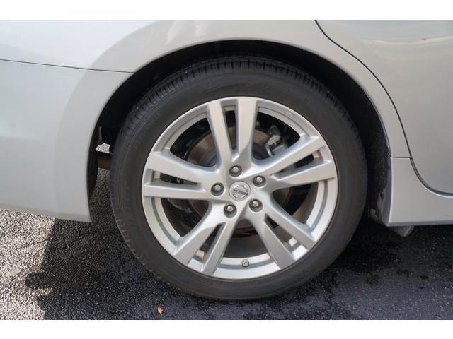 2015 Nissan Altima  4D Sedan  - 503573 - Image 12