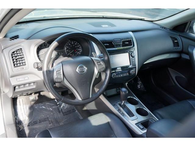 2015 Nissan Altima  4D Sedan  - 503573 - Image 17