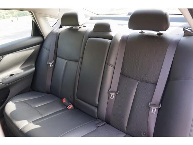 2015 Nissan Altima  4D Sedan  - 503573 - Image 25
