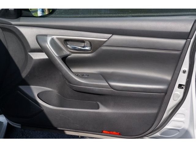 2015 Nissan Altima  4D Sedan  - 503573 - Image 27