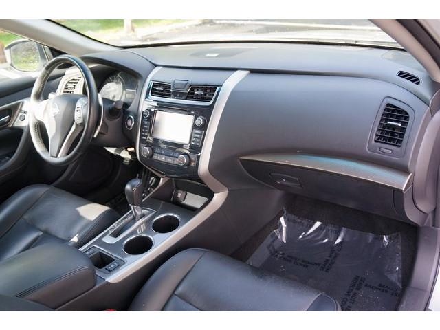2015 Nissan Altima  4D Sedan  - 503573 - Image 29