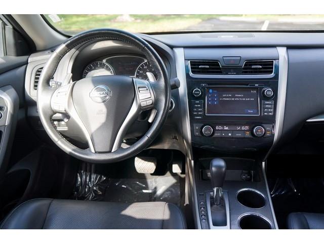 2015 Nissan Altima  4D Sedan  - 503573 - Image 34