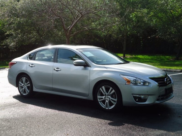 2015 Nissan Altima 4D Sedan - 503573 - Image 1