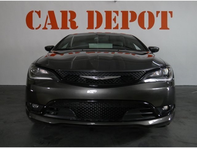 2015 Chrysler 200 4D Sedan - 503639W - Image 2