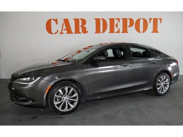 2015 Chrysler 200 4D Sedan - 503639W - Image 3
