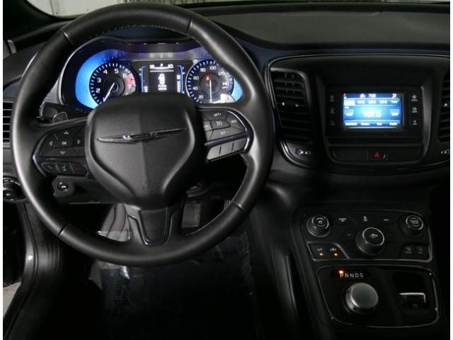 2015 Chrysler 200 4D Sedan - 503639W - Image 18