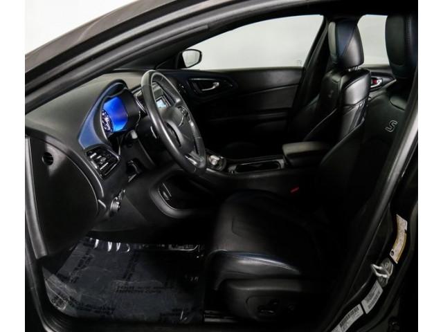 2015 Chrysler 200 4D Sedan - 503639W - Image 20