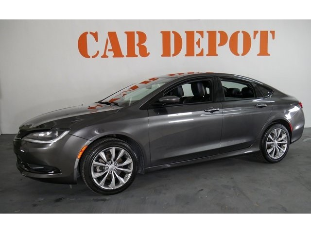 2015 Chrysler 200  4D Sedan  - 503639W - Image 1