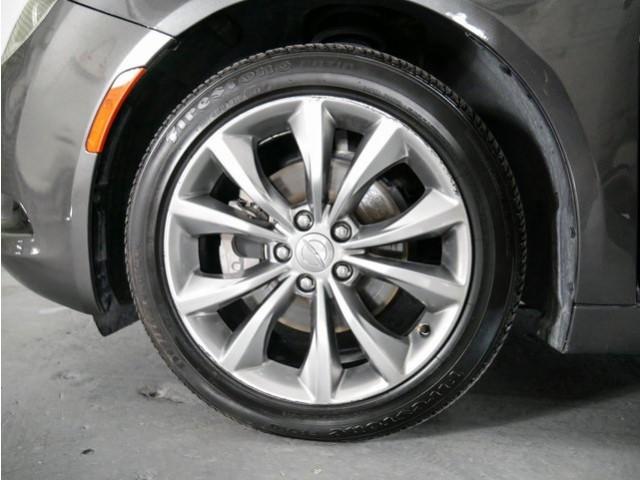 2015 Chrysler 200 4D Sedan - 503639W - Image 9