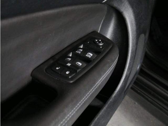 2015 Chrysler 200 4D Sedan - 503639W - Image 15