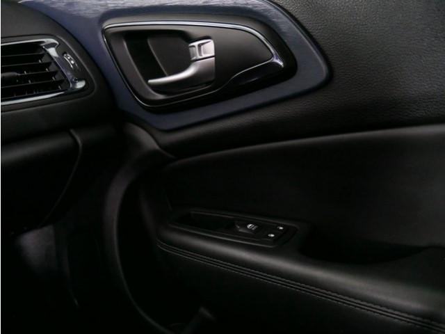 2015 Chrysler 200 4D Sedan - 503639W - Image 19