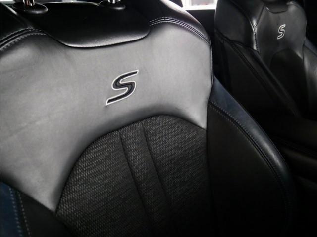 2015 Chrysler 200 4D Sedan - 503639W - Image 27