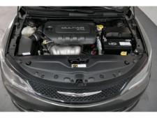 2015 Chrysler 200 4D Sedan - 503639W - Thumbnail 10
