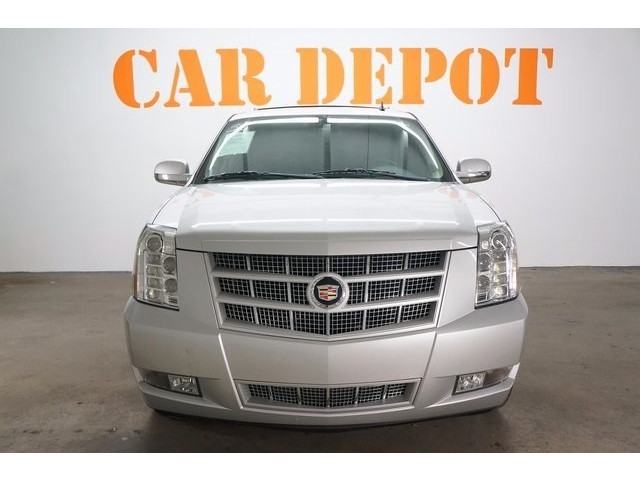 2014 Cadillac Escalade 4D Sport Utility - 503869W - Image 2