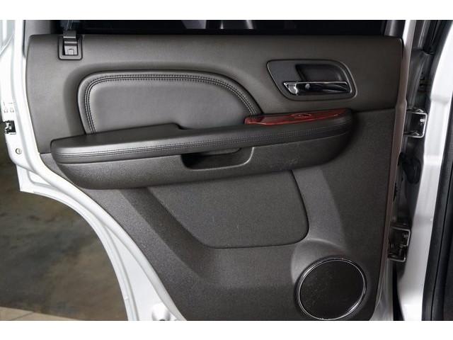2014 Cadillac Escalade 4D Sport Utility - 503869W - Image 23