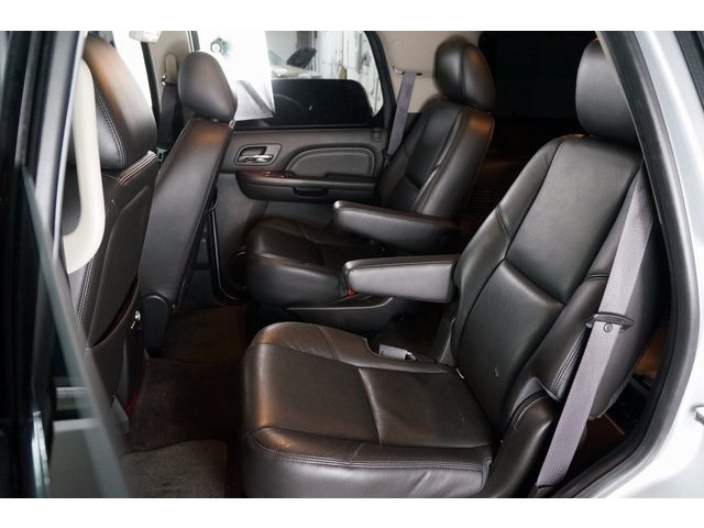 2014 Cadillac Escalade 4D Sport Utility - 503869W - Image 24