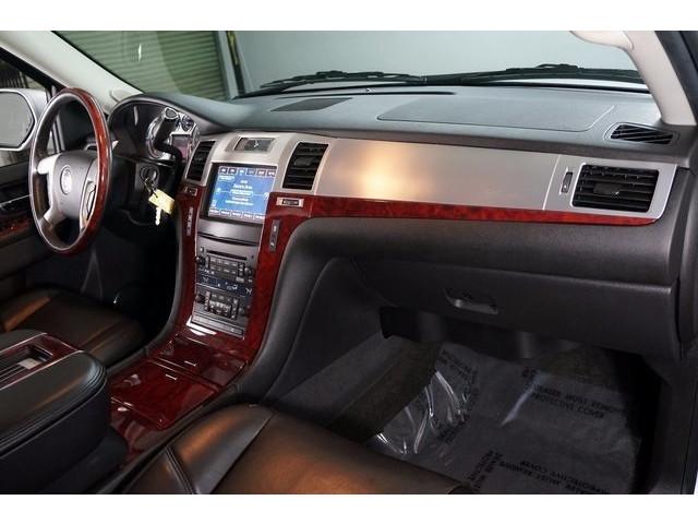 2014 Cadillac Escalade 4D Sport Utility - 503869W - Image 27