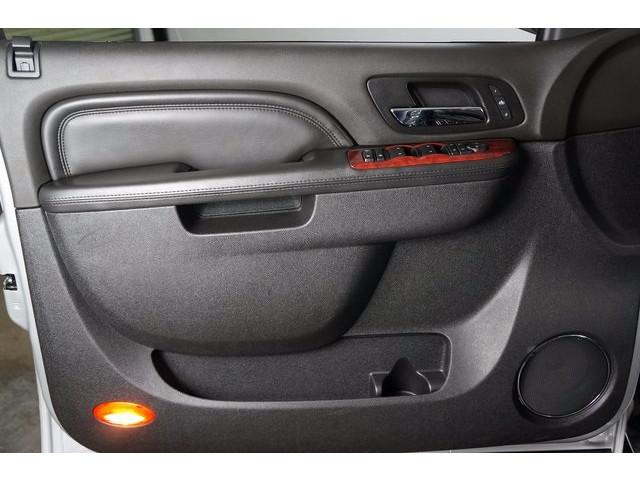 2014 Cadillac Escalade 4D Sport Utility - 503869W - Image 16