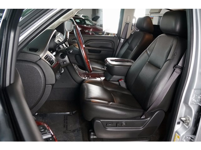 2014 Cadillac Escalade 4D Sport Utility - 503869W - Image 19