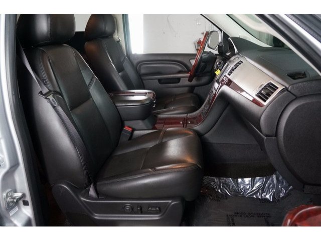 2014 Cadillac Escalade 4D Sport Utility - 503869W - Image 28