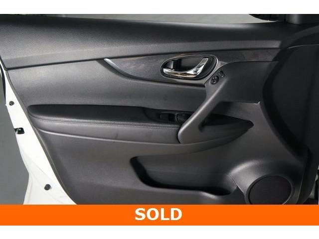2017 Nissan Rogue 4D Sport Utility - 504093W - Image 16