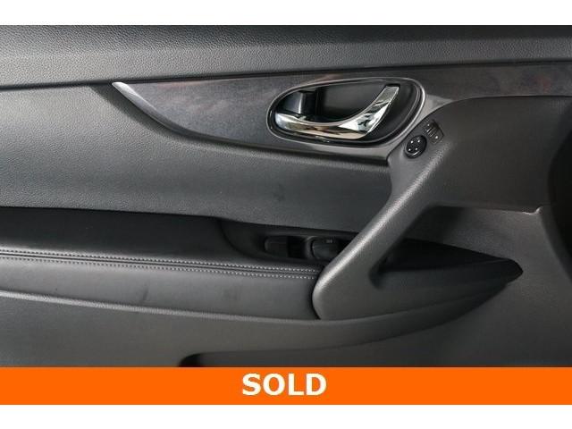 2017 Nissan Rogue 4D Sport Utility - 504093W - Image 17