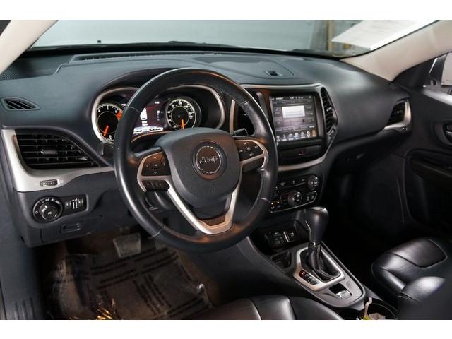 2016 Jeep Cherokee 4D Sport Utility - 504131 - Image 18