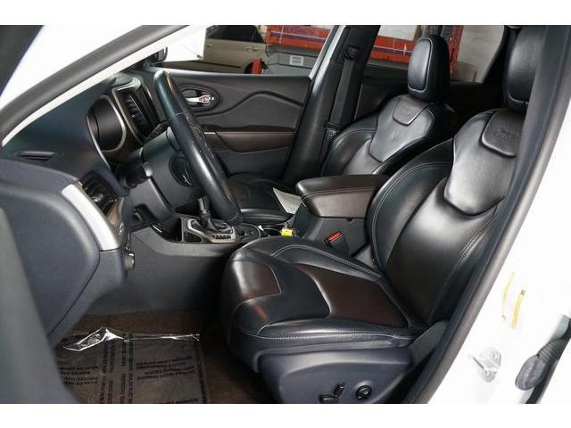 2016 Jeep Cherokee 4D Sport Utility - 504131 - Image 19
