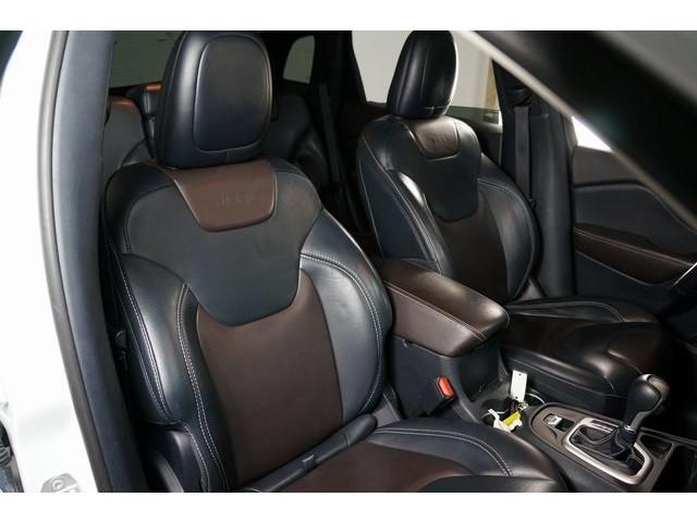 2016 Jeep Cherokee 4D Sport Utility - 504131 - Image 29