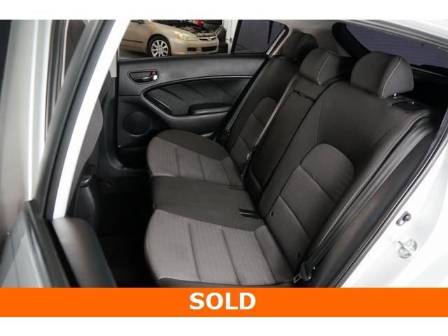 2015 Kia Forte 4D Hatchback - 504161S - Image 23