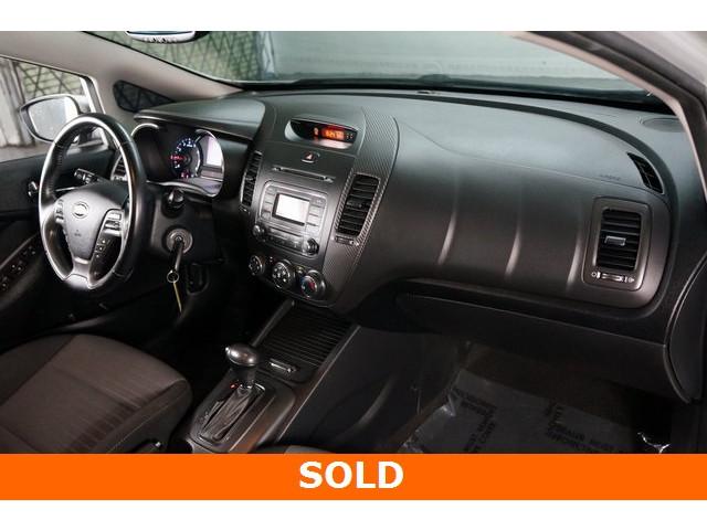 2015 Kia Forte 4D Hatchback - 504161S - Image 27