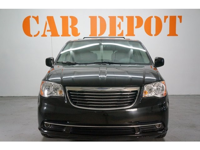 2015 Chrysler Town & Country 4D Passenger Van - 504177 - Image 2