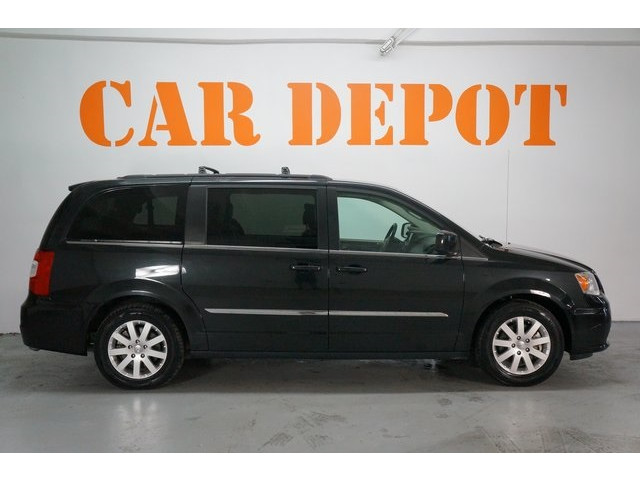 2015 Chrysler Town & Country 4D Passenger Van - 504177 - Image 8