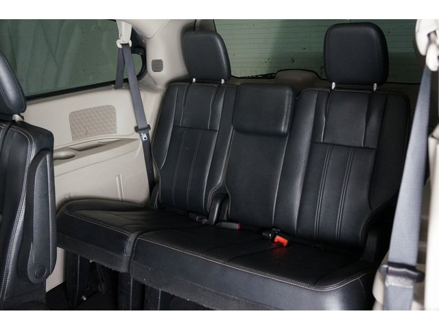 2015 Chrysler Town & Country 4D Passenger Van - 504177 - Image 25