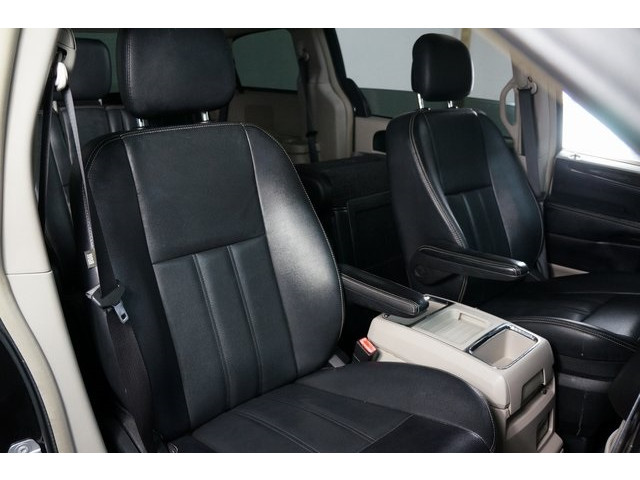 2015 Chrysler Town & Country 4D Passenger Van - 504177 - Image 28