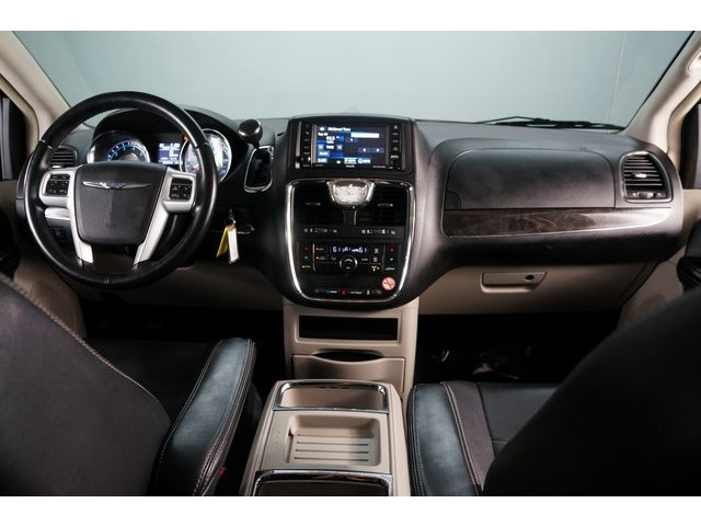 2015 Chrysler Town & Country 4D Passenger Van - 504177 - Image 31