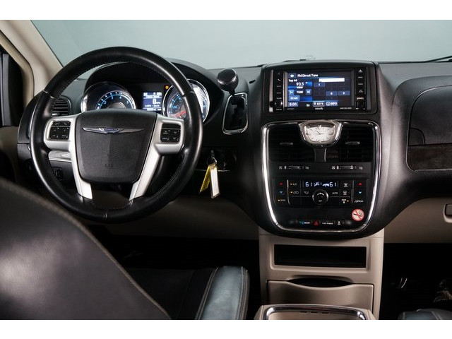 2015 Chrysler Town & Country 4D Passenger Van - 504177 - Image 32