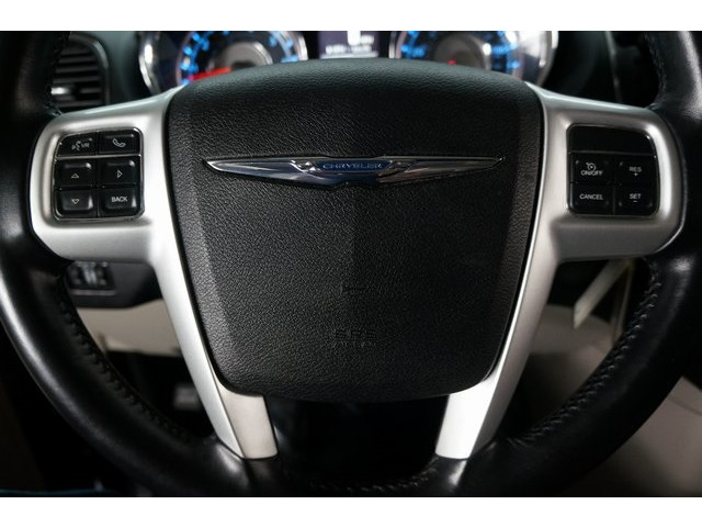 2015 Chrysler Town & Country 4D Passenger Van - 504177 - Image 38
