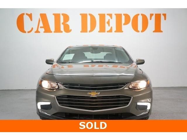 2018 Chevrolet Malibu 4D Sedan - 504268 - Image 2
